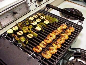 grilled-cajon-shrimp_w725_h544